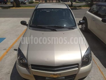 Foto venta Auto usado Chevrolet Chevy 3P Paq B (2012) color Bronce precio $62,000