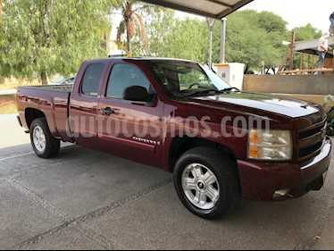 Foto venta Auto usado Chevrolet Cheyenne 2500 4x4 Cab Ext B (2008) color Rojo precio $230,000