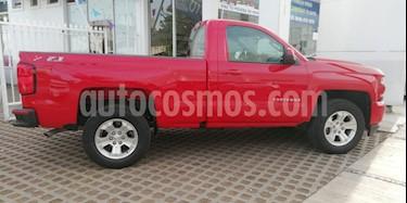 Foto Chevrolet Cheyenne 2500 4x4 Cab Reg LT Z71 usado (2018) color Rojo precio $612,000