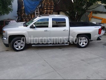 Chevrolet Cheyenne Cabina Doble High Country 4X4 usado (2016) color Plata precio $570,000