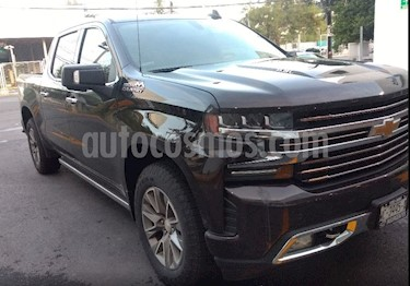 Foto venta Auto usado Chevrolet Cheyenne Cabina Doble High Country 4X4 (2019) color Mocha precio $910,000