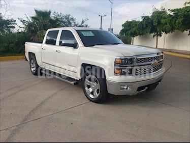 Chevrolet Cheyenne LT Z71 4X4, DOBLE CABINA, TA 6 VELOCIDADES / V8 5 usado (2015) color Blanco precio $398,000