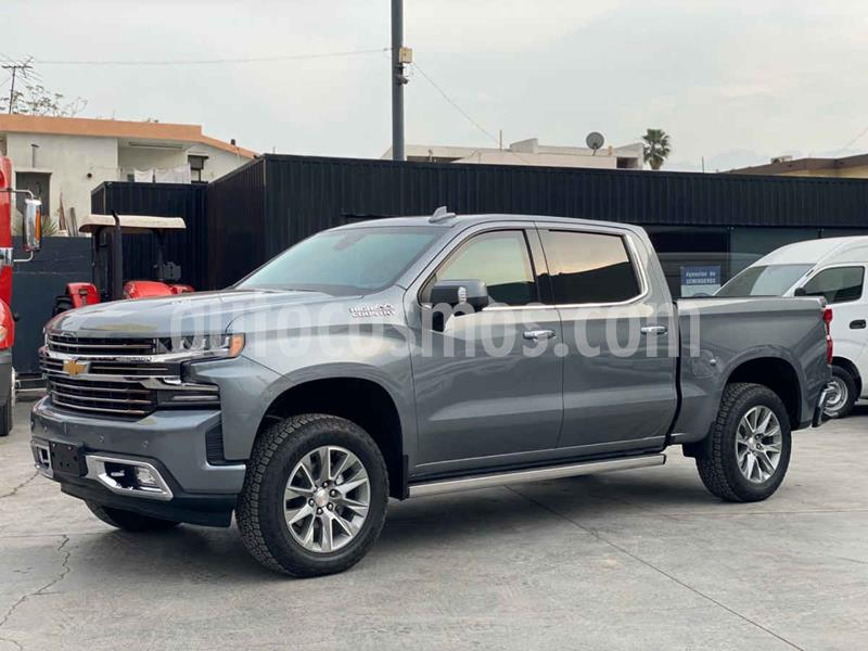 Chevrolet Cheyenne 2500 4x4 Doble Cab High Country usado (2019) color Gris precio $2,440,800
