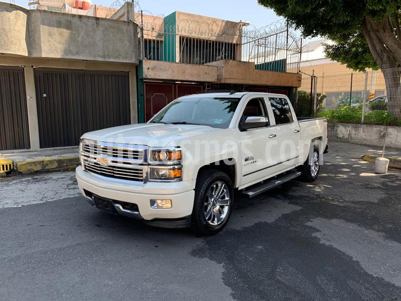 Chevrolet Cheyenne 2500 4x4 Doble Cab High Country usado (2015) color Blanco precio $550,000