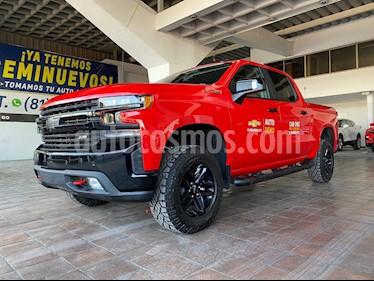 Chevrolet Cheyenne Cabina Doble Trail Boss 4X4 usado (2019) color Rojo precio $768,900