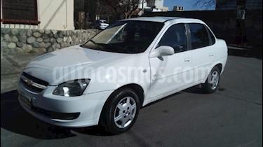 Foto venta Auto Usado Chevrolet Classic 4P LS (2011) color Blanco precio $165.000