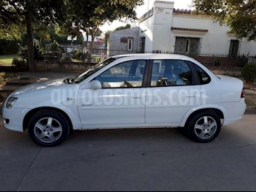 Chevrolet Classic 4P LT Spirit Pack usado (2012) color Blanco