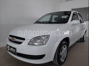 Chevrolet Classic 4P LS  usado (2016) color Blanco