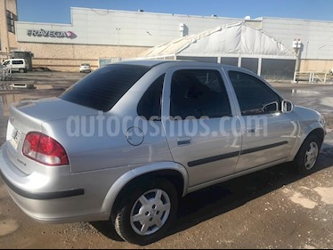 Foto venta Auto usado Chevrolet Corsa Classic 4P 1.4 GL (2015) color Plata Polaris precio $260.000