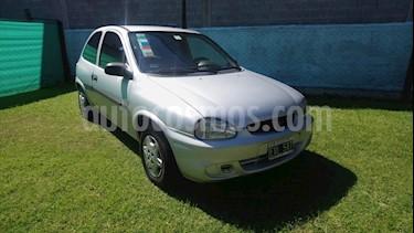 Chevrolet Corsa Classic 3P 1.6 usado (2005) color Gris Plata  precio $140.000