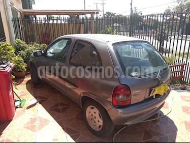 Foto venta Auto usado Chevrolet Corsa Hatchback 1.6 Swing (2001) color Gris precio $800.000