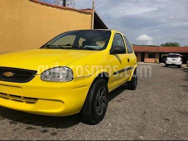 Foto venta carro usado Chevrolet Corsa 3 Puertas Sinc. A-A (2005) color Bronce precio u$s1.900