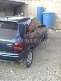 Foto venta carro usado Chevrolet Corsa 3 Puertas Sinc. A-A (2001) color Azul precio u$s900