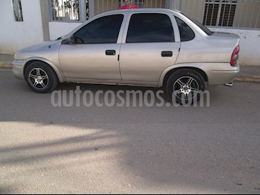 Chevrolet Corsa 4 Puertas Auto. A-A usado (2004) color Bronce precio u$s1.850