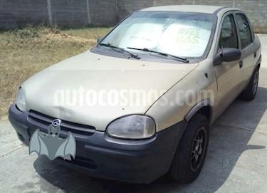 Foto venta carro usado Chevrolet Corsa 4 Puertas Sinc. A-A (1998) color Bronce precio u$s1.000