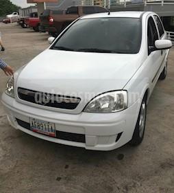 Foto venta carro usado Chevrolet Corsa 4 Puertas Sinc. A-A (2011) color Blanco precio u$s3.900