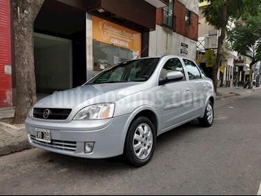 Foto venta Auto usado Chevrolet Corsa 4P CD (2005) color Gris Claro precio $152.000