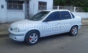 Foto venta Auto Usado Chevrolet Corsa 4P Super (2006) color Blanco