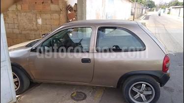 Chevrolet Corsa Chic Auto. A-A usado (2005) color Marron precio u$s700