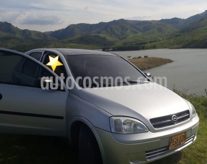 Chevrolet Corsa Evolution 1.4 A.A usado (2004) color Gris precio $13.800.000