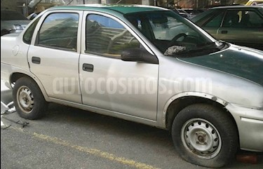 Chevrolet Corsa 4 Puertas Auto. A-A usado (2002) color Plata precio u$s1.000