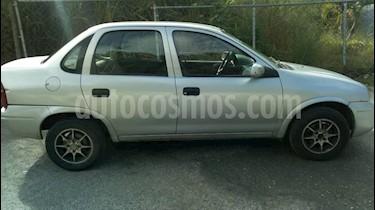 Chevrolet Corsa 4 Puertas Auto. A-A usado (2002) color Plata precio BoF1.400.000