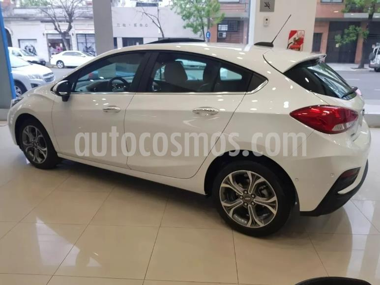 Chevrolet Cruze 5 LT usado (2020) color Blanco precio $500.000
