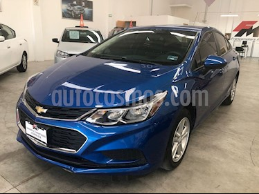 Foto Chevrolet Cruze LS Aut usado (2018) color Azul Cobalto precio $235,000