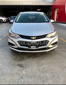 Foto venta Auto usado Chevrolet Cruze LS Aut (2017) color Plata precio $224,000