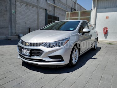 Foto Chevrolet Cruze LS Aut usado (2017) color Plata Brillante precio $220,000