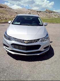 Chevrolet Cruze LS usado (2017) color Plata Brillante precio $230,000