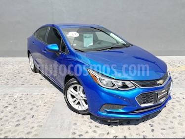 Foto venta Auto usado Chevrolet Cruze LS (2017) color Azul Cobalto precio $205,000