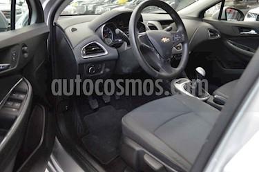Foto venta Auto usado Chevrolet Cruze LS  (2018) color Plata precio $265,000