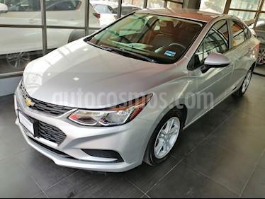 Foto venta Auto usado Chevrolet Cruze LS (2017) color Plata Brillante precio $228,000