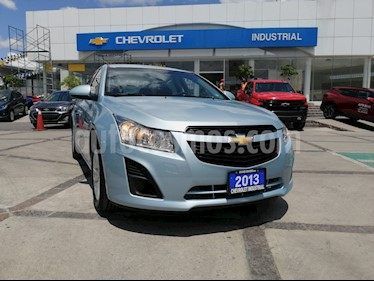 Foto Chevrolet Cruze LS  usado (2013) color Azul Cobalto precio $148,000