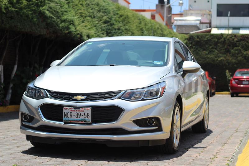 Chevrolet Cruze LT Aut usado (2018) color Plata precio $220,000