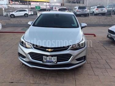Chevrolet Cruze Premier Aut usado (2017) color Plata precio $295,000