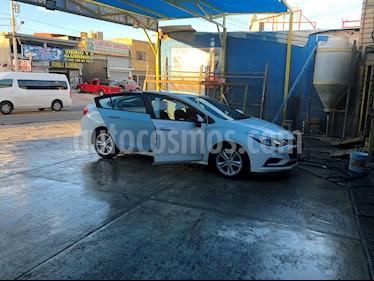 Chevrolet Cruze LS usado (2017) color Blanco Galaxia precio $190,000