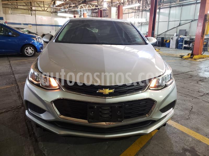 Chevrolet Cruze LS usado (2017) color Plata Brillante precio $177,900