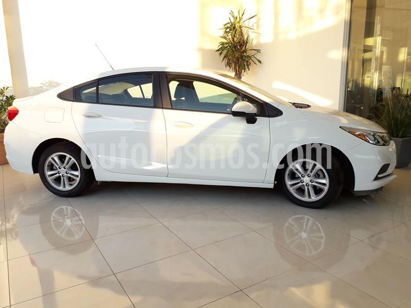 Chevrolet Cruze LS Aut usado (2017) color Blanco precio $243,000