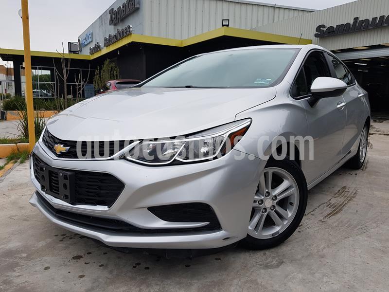 Chevrolet Cruze LT usado (2017) color Plata Brillante precio $193,000