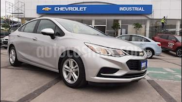Foto venta Auto usado Chevrolet Cruze Paq A (2017) color Plata precio $245,000