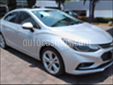 Foto Chevrolet Cruze Premier Aut usado (2017) color Plata precio $299,000