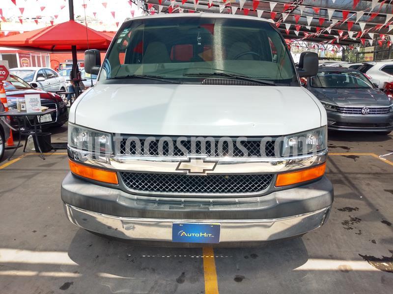 Foto Chevrolet Express Passenger Van LS 15 pas 5.3L usado (2009) color Blanco precio $249,000