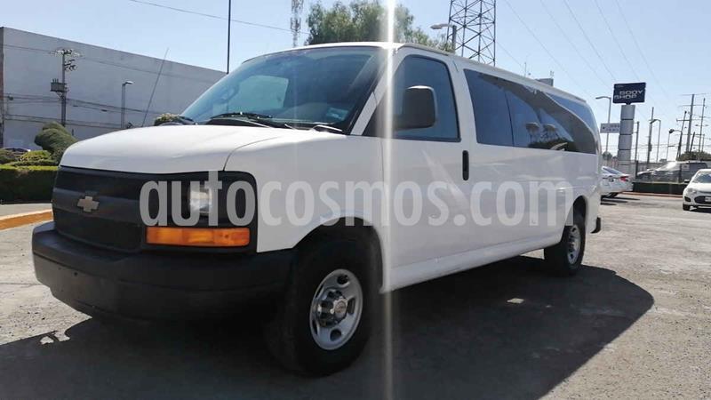 Chevrolet Express Passenger Van LS 15 pas 6.0L LWB usado (2016) color Blanco precio $328,000