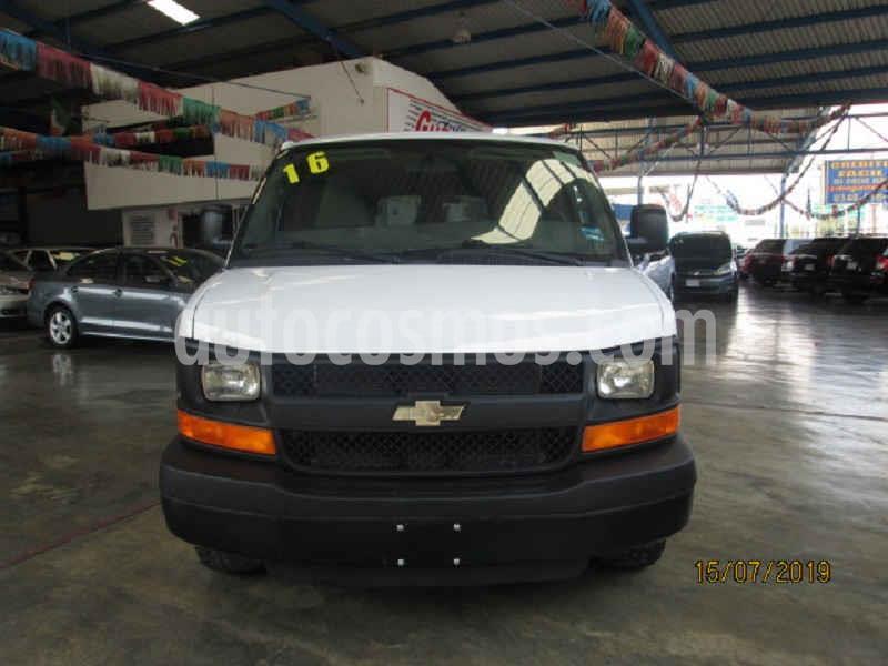 Chevrolet Express Passenger Van LS 15 pas 6.0L LWB usado (2016) color Blanco precio $415,000