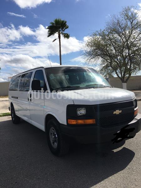 Chevrolet Express Passenger Van LS 15 pas 5.3L usado (2014) color Blanco precio $160,000