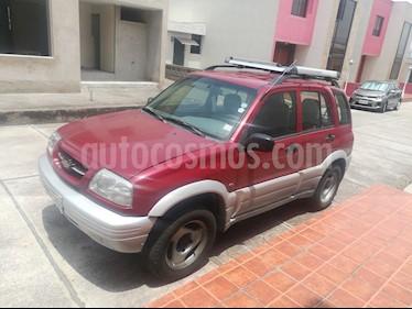 foto Chevrolet Grand Vitara 5P 4x4 2.5i usado (2002) color Rojo precio u$s10.000