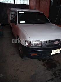Foto venta Auto usado Chevrolet Luv Estacas (2001) color Blanco precio $60,000