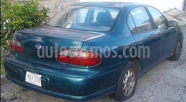 Foto venta carro usado Chevrolet Malibu LS V6 3.1i 12V (1998) color Verde precio u$s600